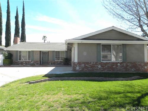 Photo of 28202 Newbird Drive, Saugus, CA 91350 (MLS # SR21008457)