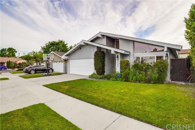Photo of 5505 Goodland Avenue, Valley Village, CA 91607 (MLS # SR21130457)