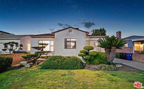 Photo of 2528 GRANVILLE Avenue, Los Angeles, CA 90064 (MLS # 20588458)