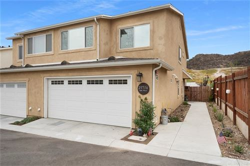 Photo of 21716 Doss Place, Saugus, CA 91350 (MLS # SR21157458)