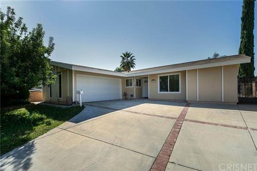 Photo of 28015 Oaklar Drive, Saugus, CA 91350 (MLS # SR20235459)