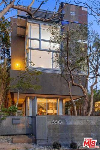 Photo of 550 Grand Boulevard, Venice, CA 90291 (MLS # 21724460)