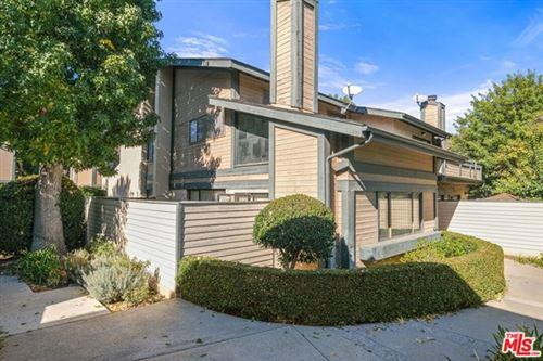 Photo of 18832 Hatteras Street #B, Tarzana, CA 91356 (MLS # 20658462)