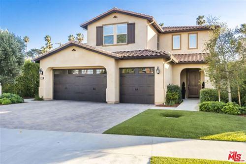 Photo of 17032 Cantlay Street, Lake Balboa, CA 91406 (MLS # 21678462)