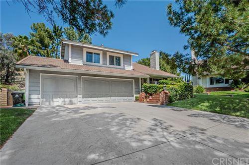Photo of 17369 Sunset Ridge Circle, Granada Hills, CA 91344 (MLS # SR21081462)