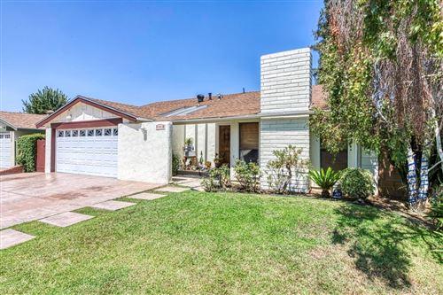 Photo of 18823 Sylvan Street, Tarzana, CA 91335 (MLS # SR21189462)