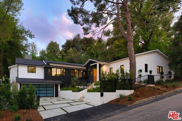 Photo of 8160 MULHOLLAND Terrace, Los Angeles, CA 90046 (MLS # 20597462)