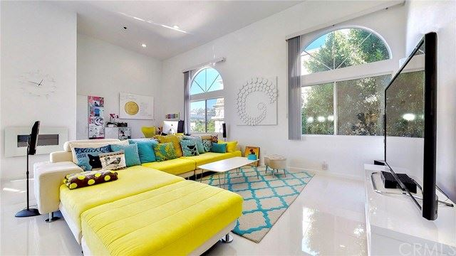 Photo of 840 N Croft Avenue #PH301, Los Angeles, CA 90069 (MLS # TR20241462)