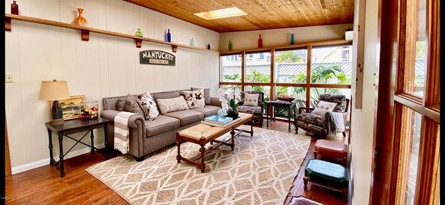 320 Sunset Drive, Oxnard, CA 93035 - MLS#: V0-220007462