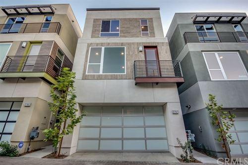 Photo of 2767 N Wright Lane, Hollywood Hills, CA 90068 (MLS # OC21012465)