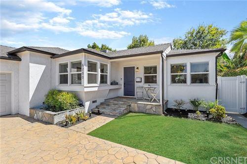 Photo of 6200 Topeka Drive, Tarzana, CA 91335 (MLS # SR20188467)