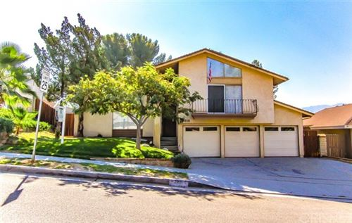 Photo of 28016 Winterdale Drive, Canyon Country, CA 91387 (MLS # SR20194467)