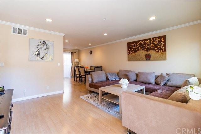Photo for 358 W Doran Street #E, Glendale, CA 91203 (MLS # BB20157467)