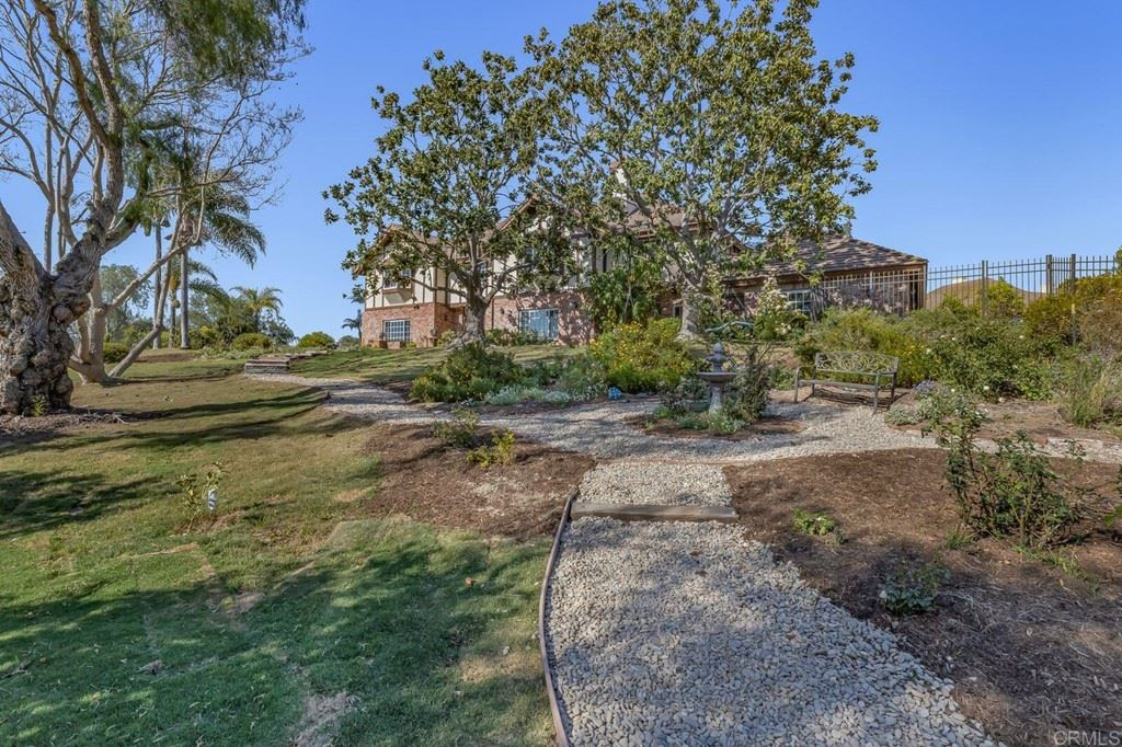 2 Golden Meadow Lane, Fallbrook, CA 92028 - MLS#: NDP2104467