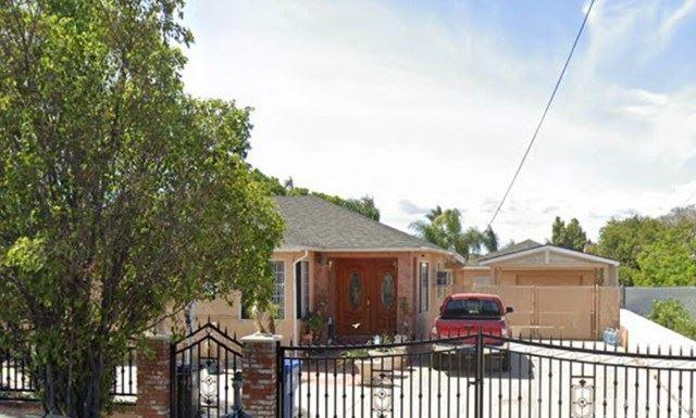 Photo of 9171 Kewen Avenue, Sun Valley, CA 91352 (MLS # SR20251467)