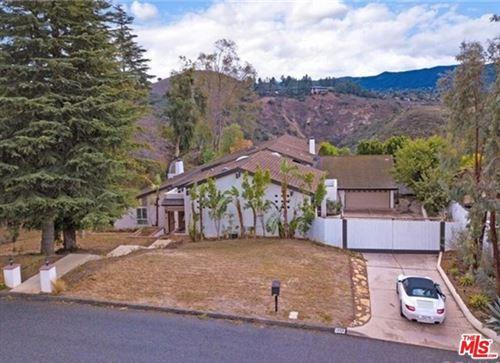Photo of 1350 Camino Cristobal, Thousand Oaks, CA 91360 (MLS # 21684468)