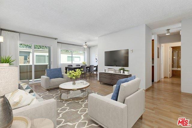 Photo of 525 N Sycamore Avenue #416, Los Angeles, CA 90036 (MLS # 20657468)