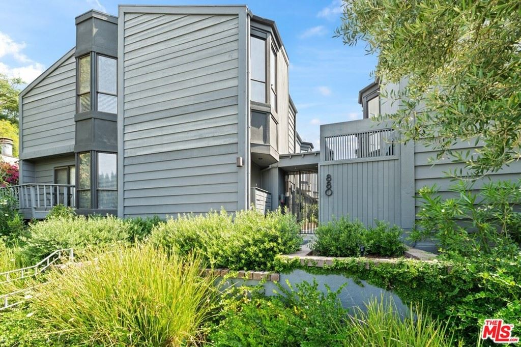 Photo of 880 Hilldale Avenue #10, West Hollywood, CA 90069 (MLS # 21765468)