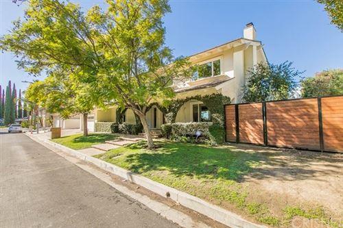 Photo of 20380 Alerion Place, Woodland Hills, CA 91364 (MLS # SR21031469)