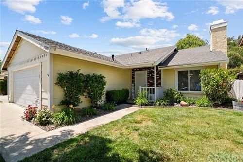 Photo of 27607 Hyssop Lane, Saugus, CA 91350 (MLS # SR21102470)