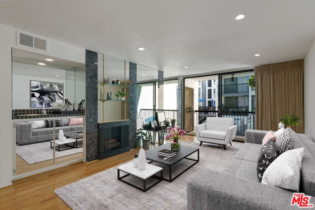 Photo of 906 N Doheny Drive #322, West Hollywood, CA 90069 (MLS # 21765470)