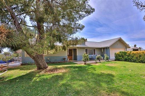 Photo of 15151 Elm Street, Hesperia, CA 92345 (MLS # 529471)