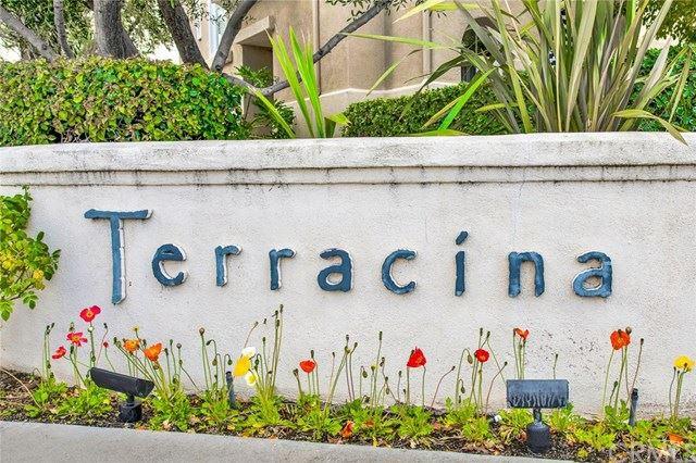Photo of 54 Via Vicini, Rancho Santa Margarita, CA 92688 (MLS # OC21047471)
