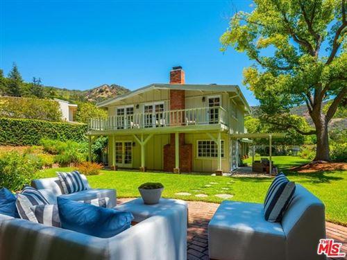 Photo of 16646 Bienveneda Place, Pacific Palisades, CA 90272 (MLS # 20600472)