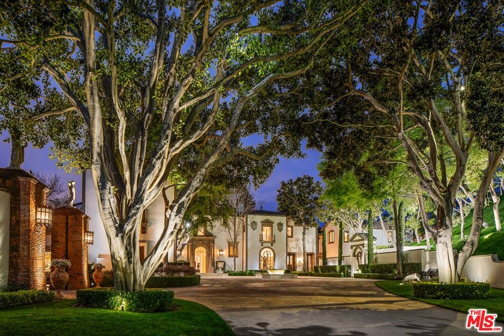 Photo of 30 Beverly Park Terrace, Beverly Hills, CA 90210 (MLS # 21796472)