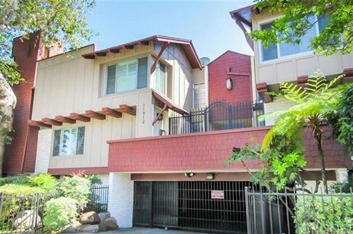 Photo of 11912 Riverside Drive #1, Valley Village, CA 91607 (MLS # SR21076473)