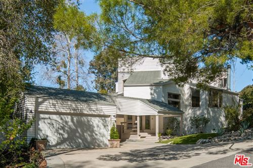 Photo of 25775 Vista Verde Drive, Calabasas, CA 91302 (MLS # 21710474)