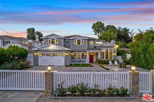 Photo of 11555 Kelsey Street, Studio City, CA 91604 (MLS # 21771476)