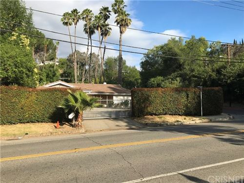 Photo of 4700 Vanalden Avenue, Tarzana, CA 91356 (MLS # SR20125476)