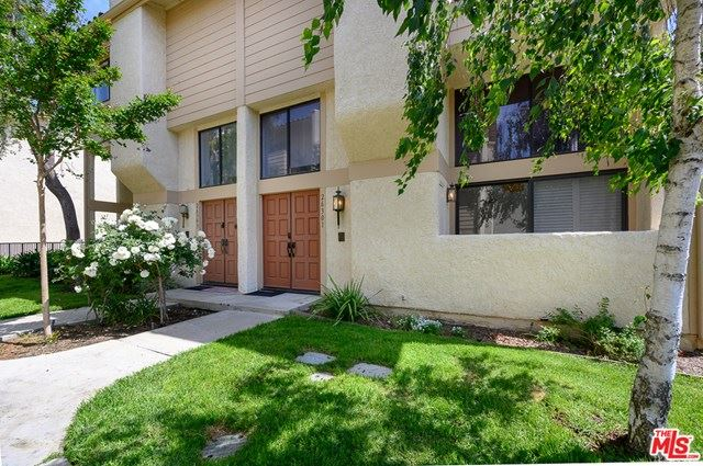 Photo of 26301 W Plata Lane, Calabasas, CA 91302 (MLS # 20634476)