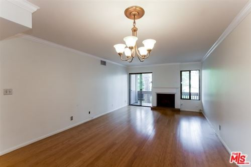 Photo of 15215 MAGNOLIA #219, Sherman Oaks, CA 91403 (MLS # 20546478)