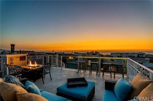 Photo of 304 Manhattan Avenue, Hermosa Beach, CA 90254 (MLS # SB19267478)