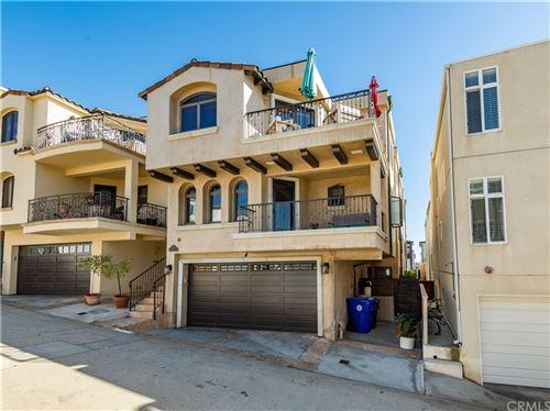 Photo of 320 24th Place, Manhattan Beach, CA 90266 (MLS # SB21215481)