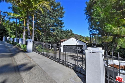 Photo of 12217 Iredell Street, Studio City, CA 91604 (MLS # 21681482)