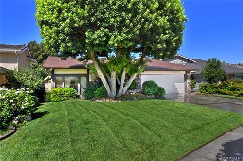 Photo of 5507 Alcove Avenue, Valley Village, CA 91607 (MLS # SR21205482)