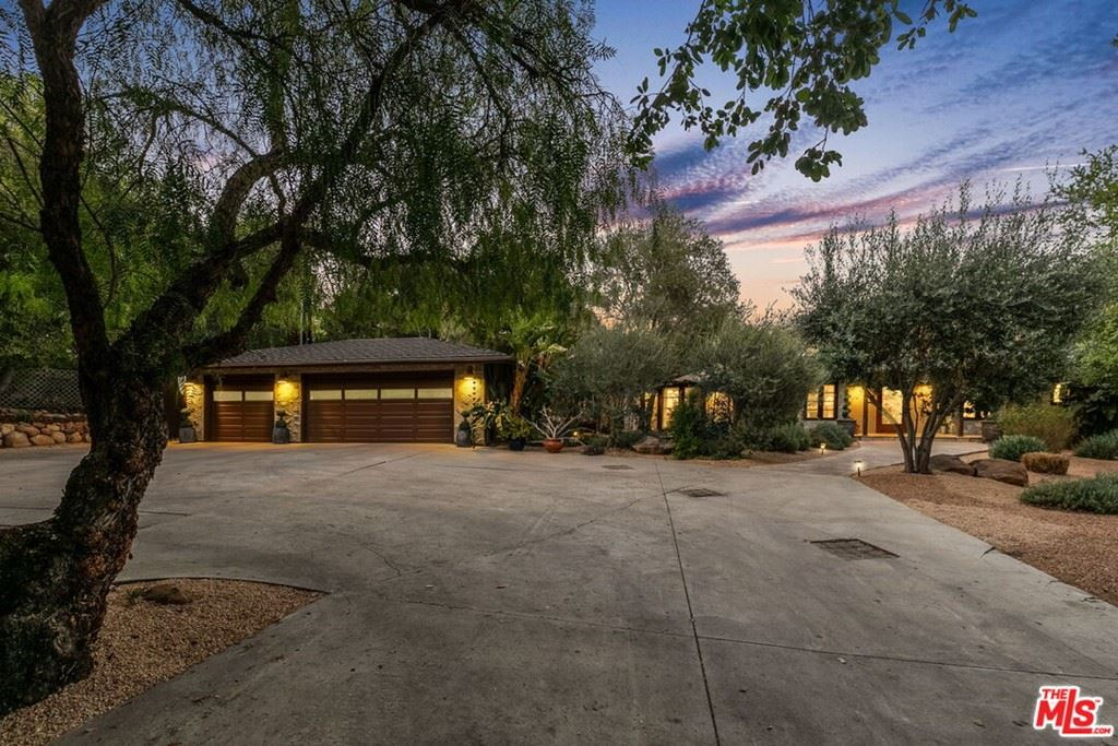 Photo of 704 Palomar Road, Ojai, CA 93023 (MLS # 21722482)