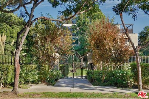 Photo of 950 N Kings Road #313, West Hollywood, CA 90069 (MLS # 20668484)