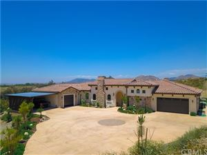 Photo of 37505 Via De Los Arboles, Temecula, CA 92592 (MLS # SW19132485)
