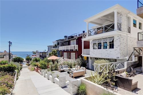 Photo of 229 8th Street, Manhattan Beach, CA 90266 (MLS # SB20113486)