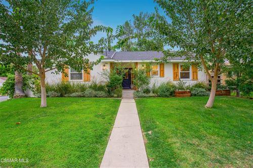 Photo of 6552 Comanche Avenue, Winnetka, CA 91306 (MLS # 221005487)