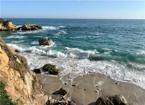 Photo of 414 Bluebird Canyon, Laguna Beach, CA 92651 (MLS # OC21160487)