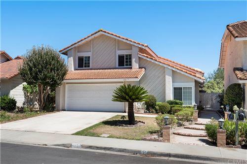 Photo of 39 Diamante, Irvine, CA 92620 (MLS # OC21170487)