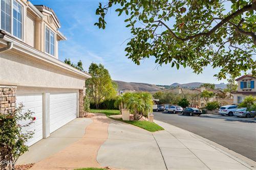 Photo of 2880 Venezia Lane, Thousand Oaks, CA 91362 (MLS # V1-8487)