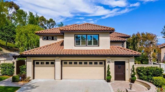 Photo of 20 Via Tranquila, Rancho Santa Margarita, CA 92688 (MLS # OC21125489)