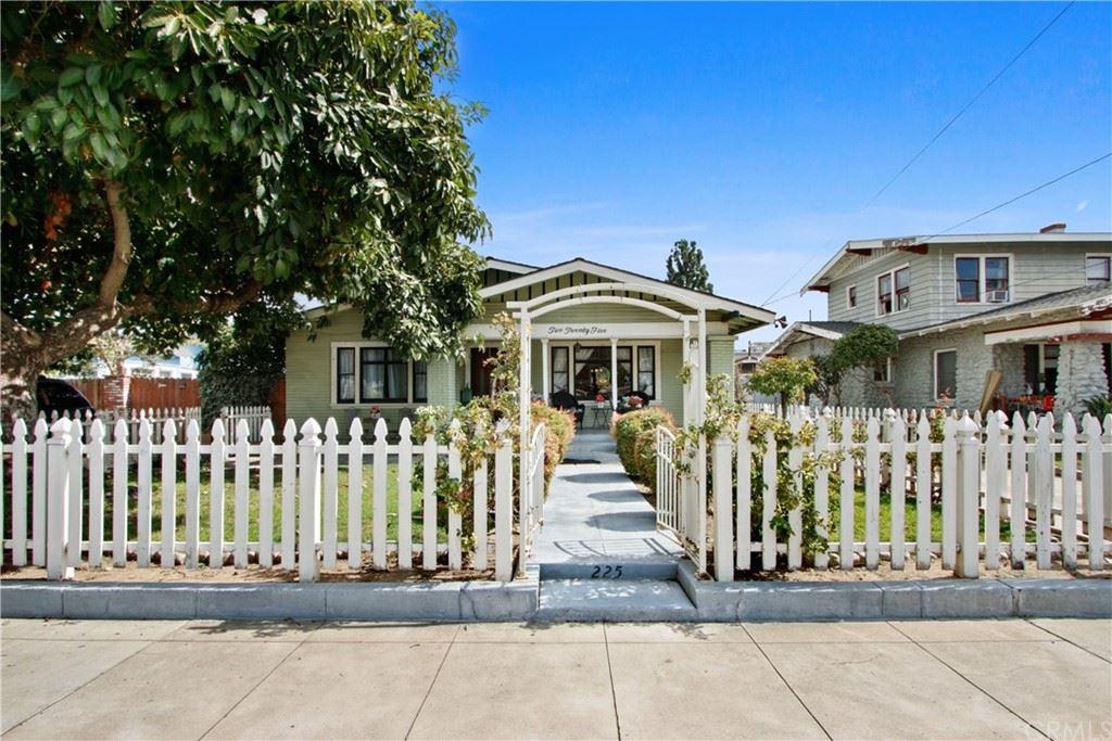 Photo of 225 South Olive Street, Orange, CA 92866 (MLS # OC21230489)
