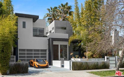 Photo of 315 S Mansfield Avenue, Los Angeles, CA 90036 (MLS # 21713490)